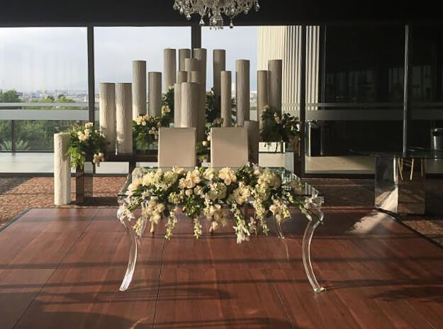 Dark-maple-flowers-setup